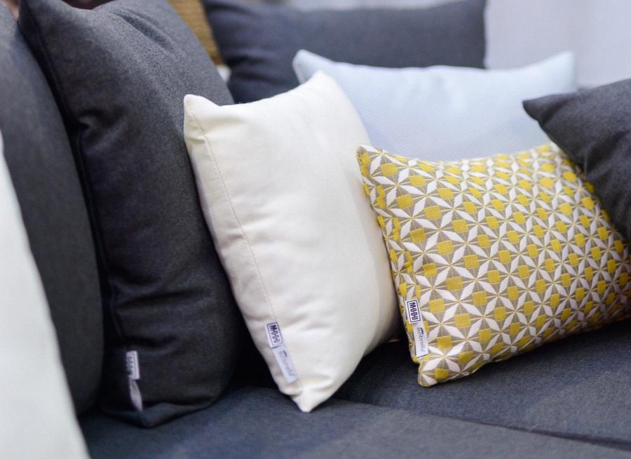Jak wybrać odpowiednie poduszki do mebli tarasowych